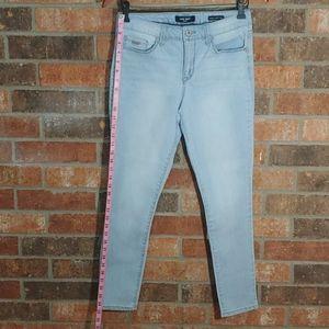 Nine West Skinny Ankle Jean size 4